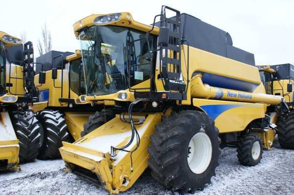 комбайн NEW HOLLAND CSX 7080