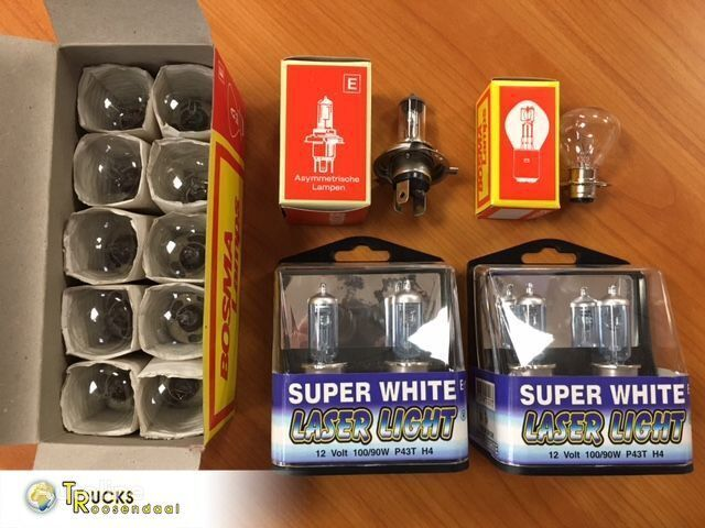 фонарь Universeel €0.08 pp 300.000 lamps, perfect for trading. front, r для грузовика Universeel €0.08 pp 300.000 lamps, perfect for trading. front, r